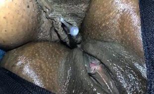 Lesbicas Safadetes Negras Enfiando Clitoris Grande Na Buceta